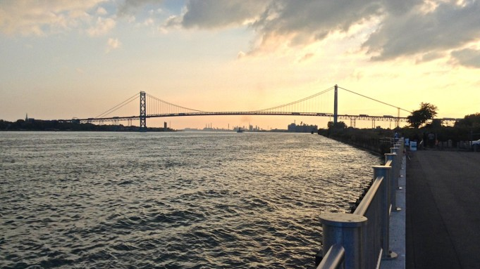 West RiverWalk Ambassador Bridge