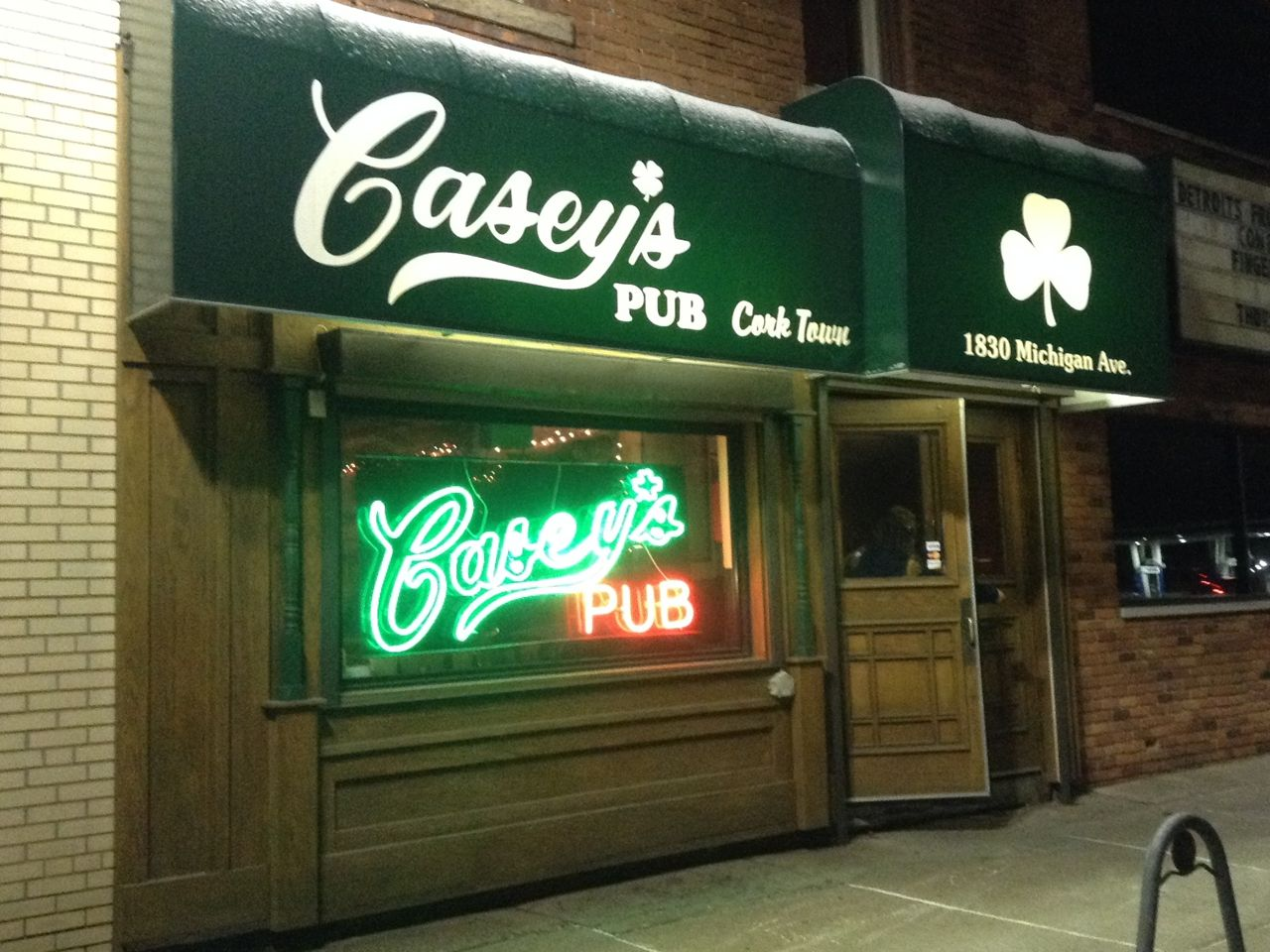 Casey's Pub on a final Sunday night