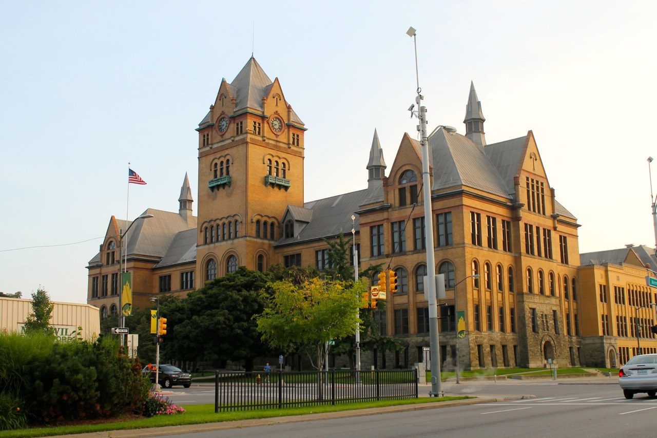 Wayne State University's Old Main Building. Daily Detroit File Photo.