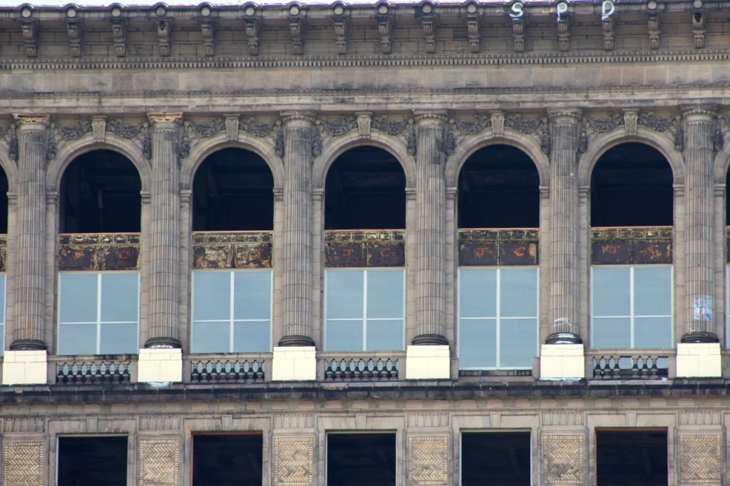 michigan-central-station-front detail