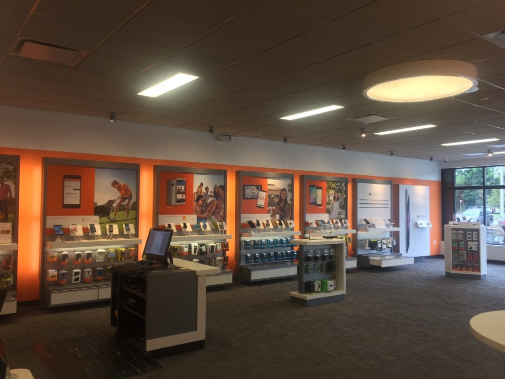 Our website has info about refurbished cell phones, flip phone designs, and the best wireless phone companies in Studio City, CA, including T Mobile - Ventura Blvd. Advertisement View the locations and coupons of the cell phone companies in Studio City, California.