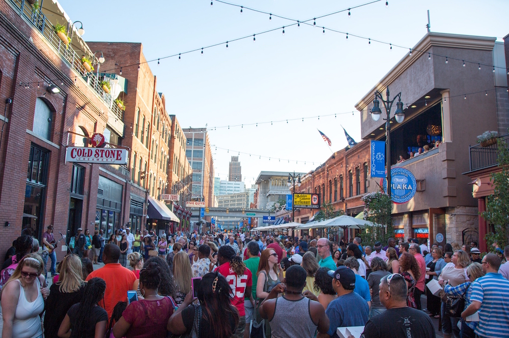 GreektownAtSundown-20150801-044