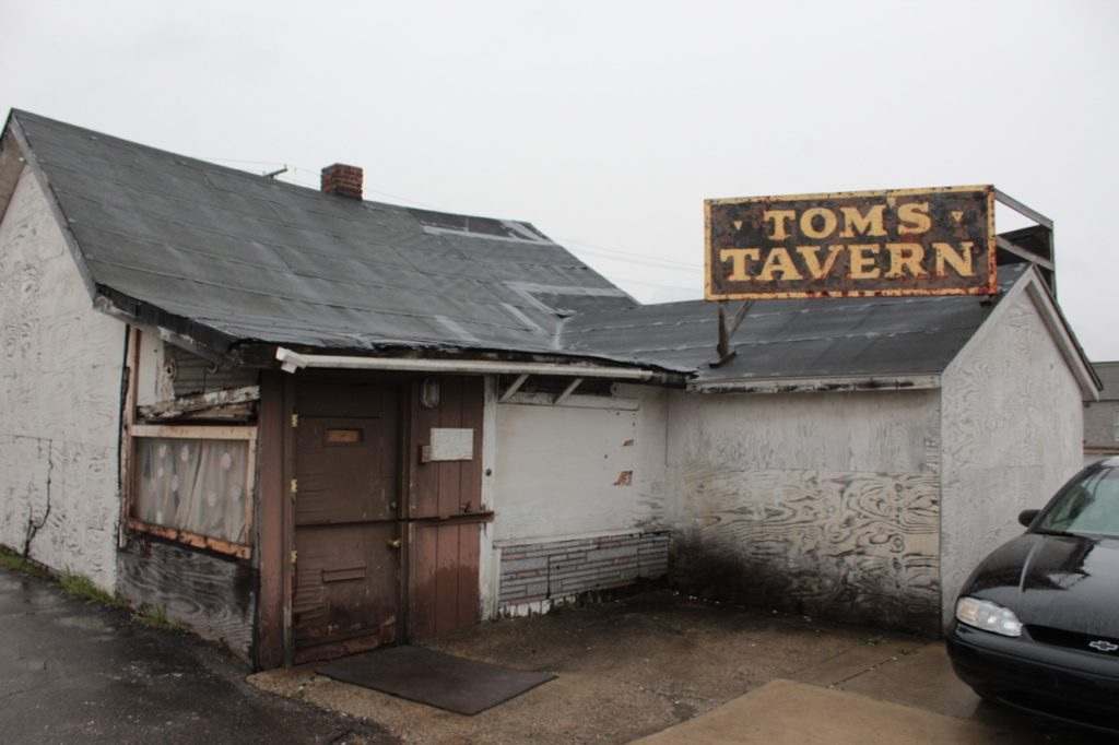 Tom's Tavern Dive Bar in Detroit