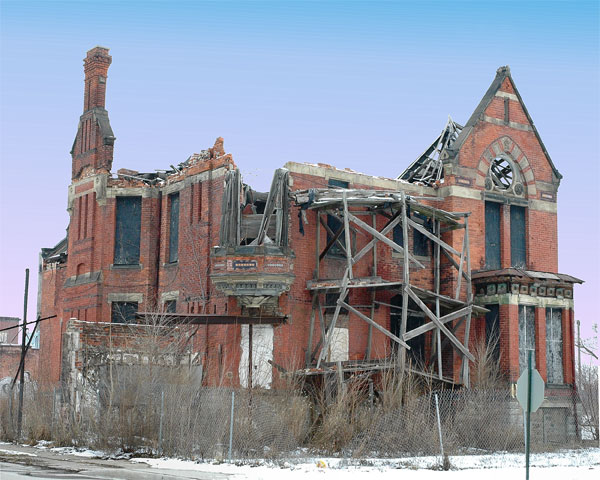 Ransom Gillis House before renovation in 2005. Creative Commons Photo by Jmk7 via Wikipedia.