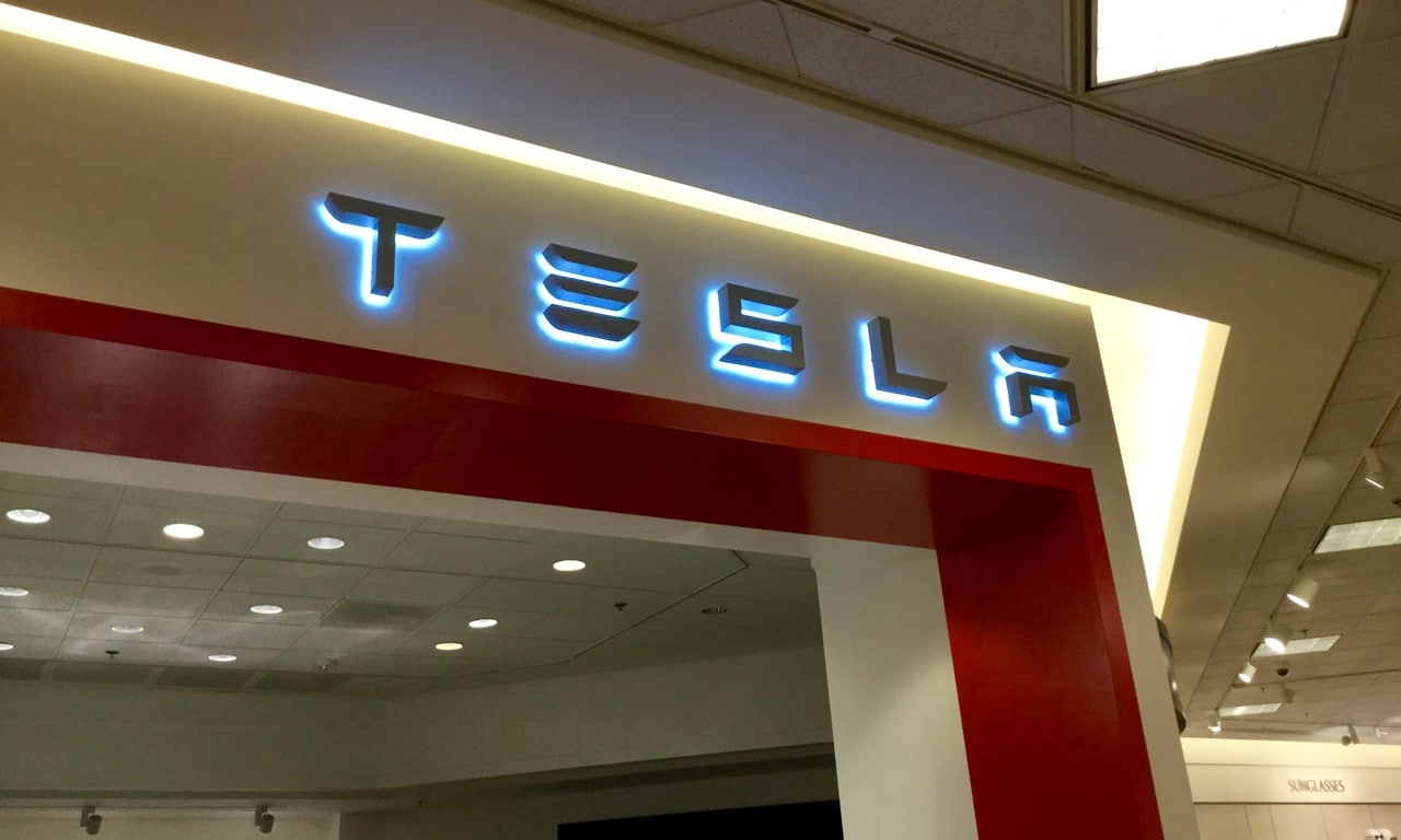 Tesla gallery in Somerset Collection