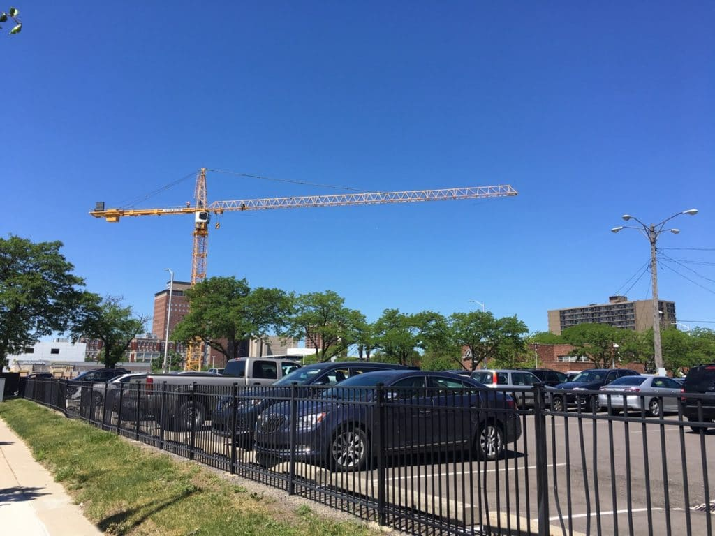 2 Bedroom Apartments In Detroit Pics A Giant Tower Crane Appears At Site Of Future Third