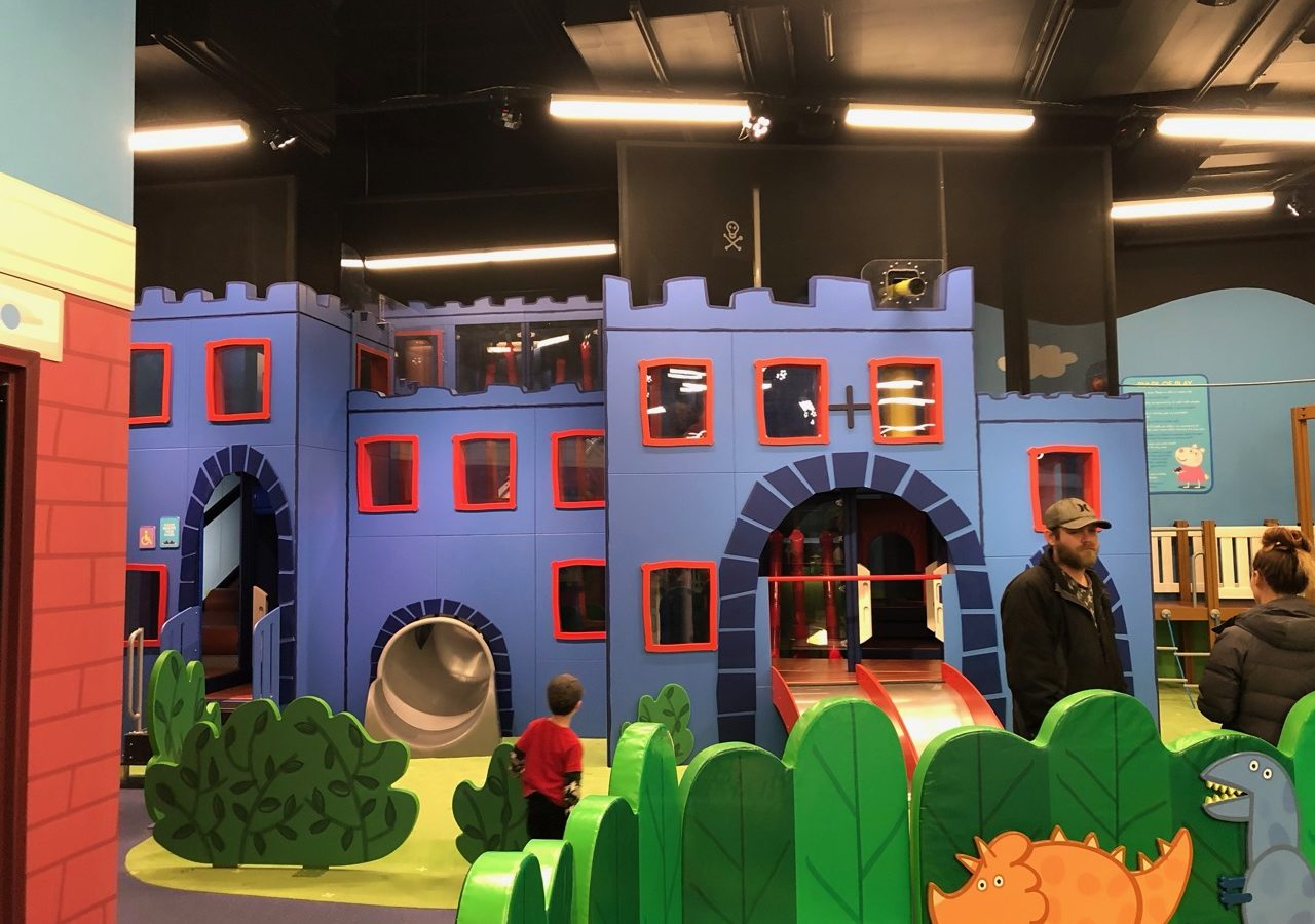 Peppa Pig World Of Play In U S Now Open Inside Great Lakes Crossing